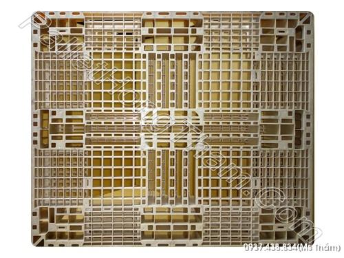 pallet-nhua-mau-sua-1100x1300x150mm